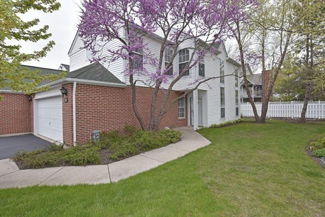 132 Huntington St #APT 24-C, Lake Bluff, IL