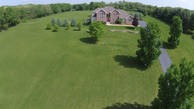 1622 Valley View Dr, Belvidere, IL