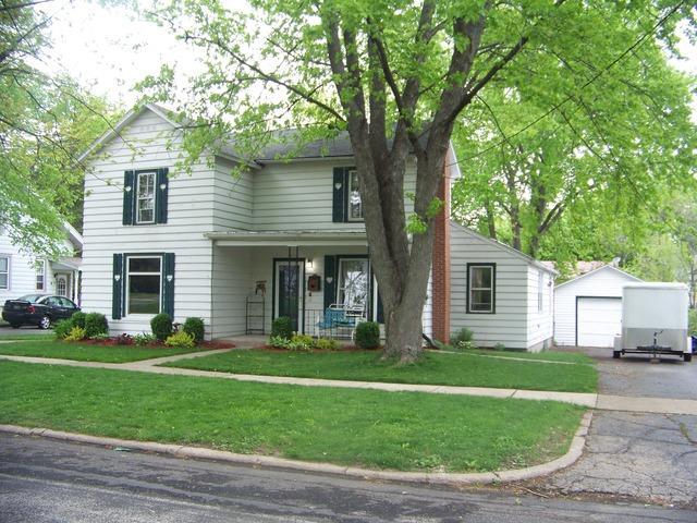 208 E Center St, Mount Morris, IL