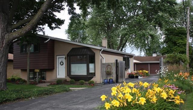 437 N Hamilton Ave, Villa Park IL 60181