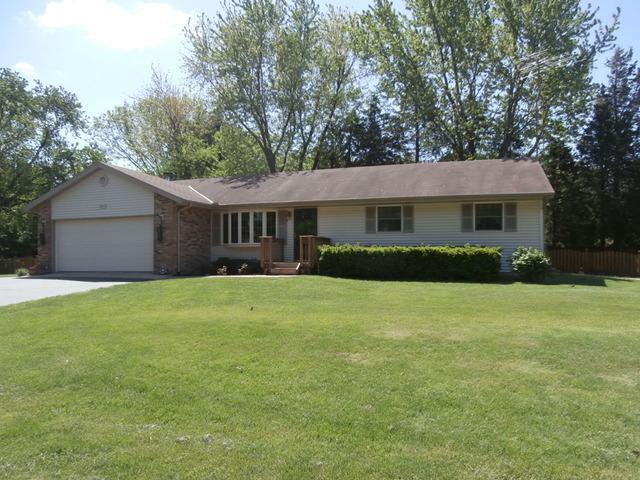 5915 Peart Rd, Morris, IL