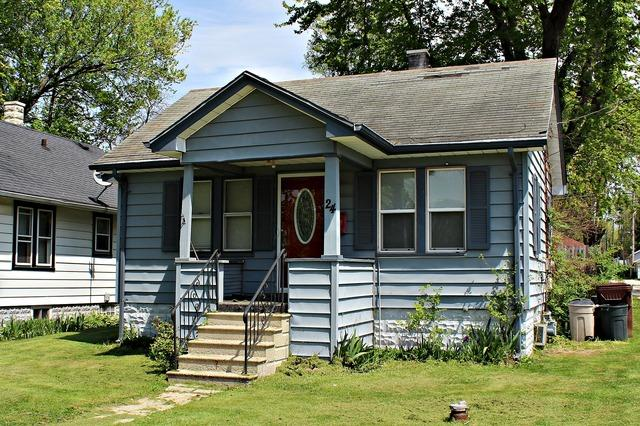 24 Independence Ave, Joliet, IL