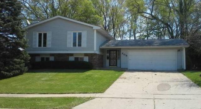 208 Canterbury Dr, Mchenry, IL
