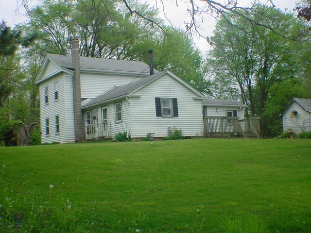 4233 Dawson Lake Rd, Poplar Grove, IL