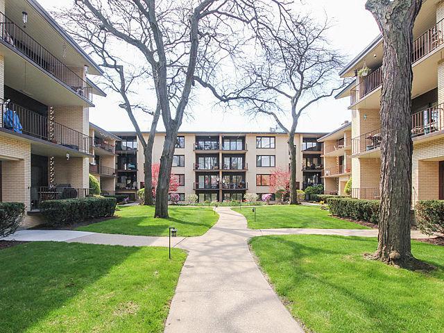 1023 Washington Blvd #APT 201, Oak Park IL 60302