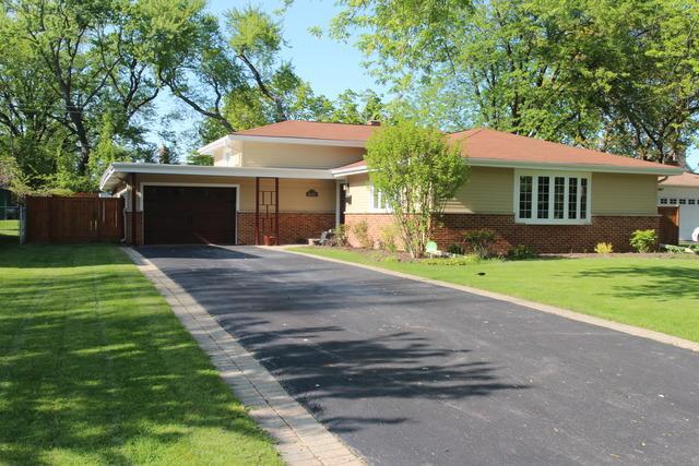 3122 Bellwood Ln, Glenview, IL
