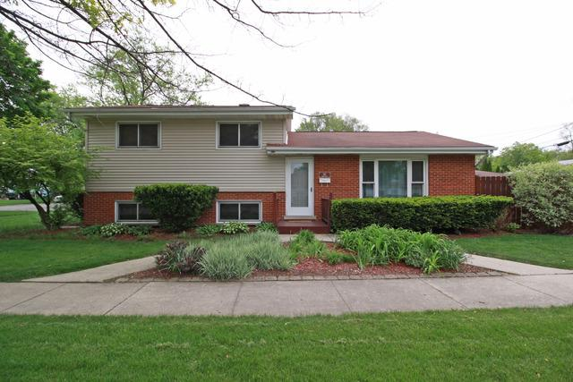512 N Iowa Ave, Villa Park IL 60181