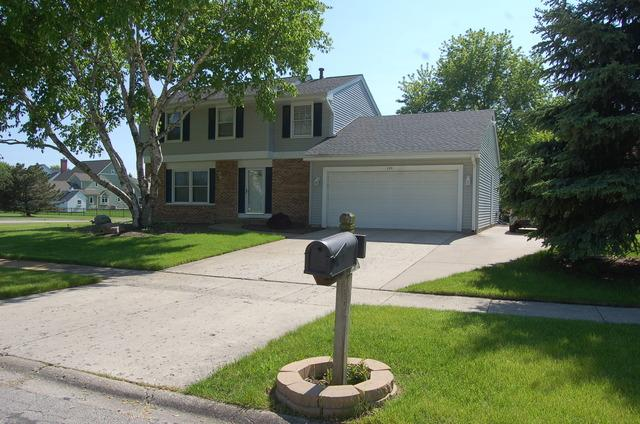 135 Waterford Ct, Naperville, IL