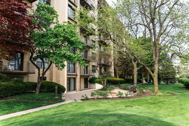 4601 W Touhy Ave #APT 801, Lincolnwood, IL