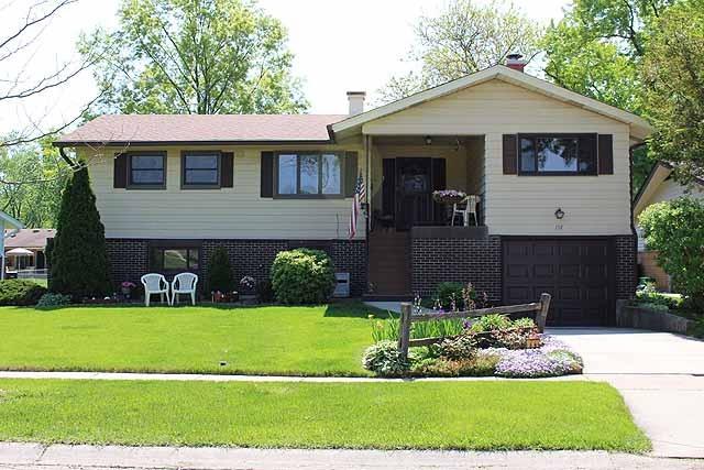 157 Crest Ave, Elk Grove Village, IL
