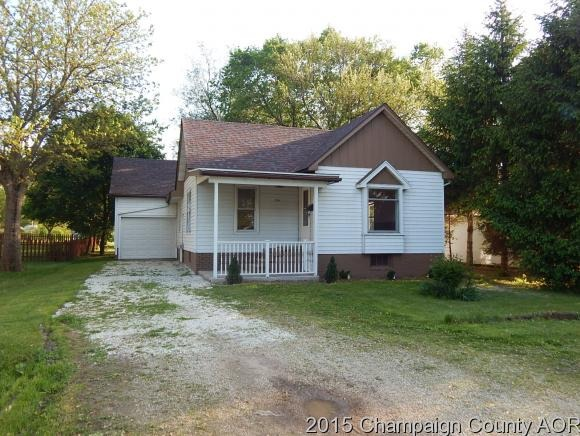 334 W Pine St, Paxton IL 60957