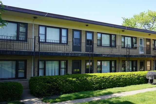 36 King Arthur Ct #APT 12, Melrose Park, IL