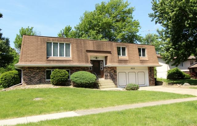 820 Lakewood Dr, Morris, IL