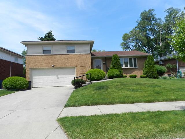 919 W Hirsch St, Melrose Park, IL