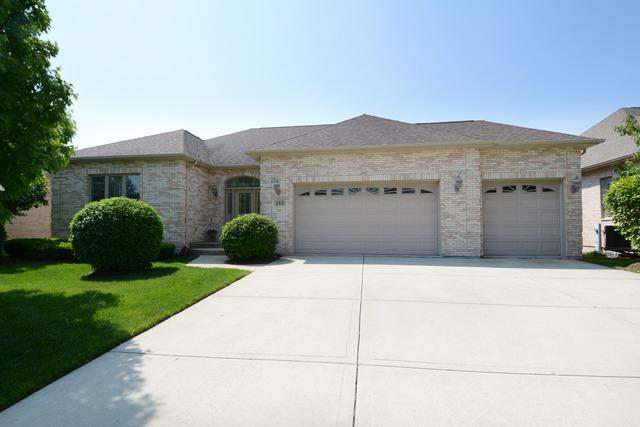 142 Rose Dr, Bloomingdale, IL