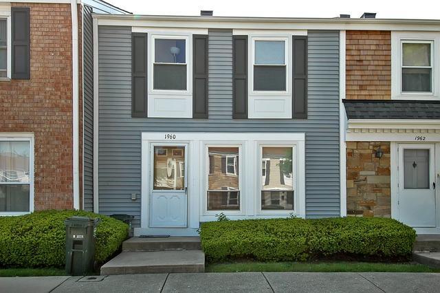 1960 Chelmsford Pl #APT 1960, Hoffman Estates, IL