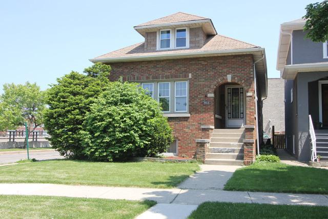 902 S Kenilworth Ave, Oak Park IL 60304