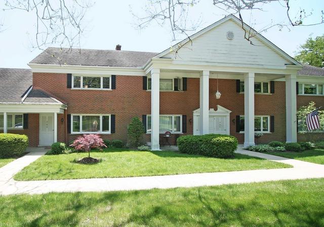 702 Chanticleer Ln, Hinsdale, IL