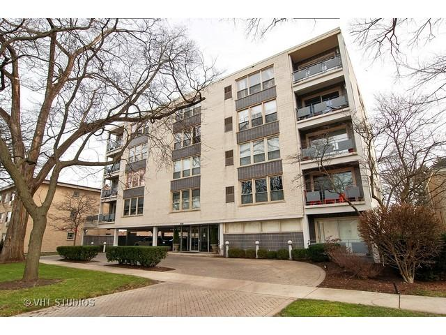 1535 Park Ave #APT 402, River Forest IL 60305