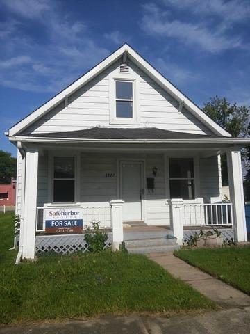 3323 Halsted St, Steger, IL