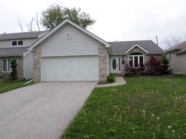 3137 Carpenter St, Steger, IL