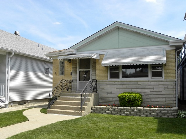 3713 N Nora Ave, Chicago IL 60634