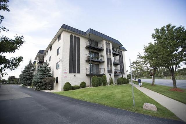 6950 W Forest Preserve Dr #APT 105, Harwood Heights, IL