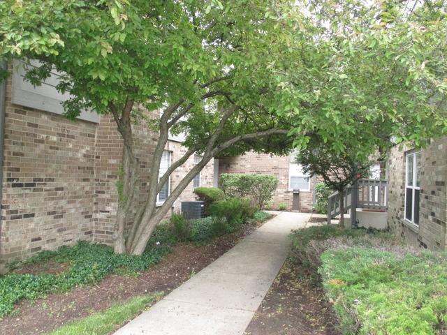 35 Foxcroft Rd #APT 115, Naperville, IL
