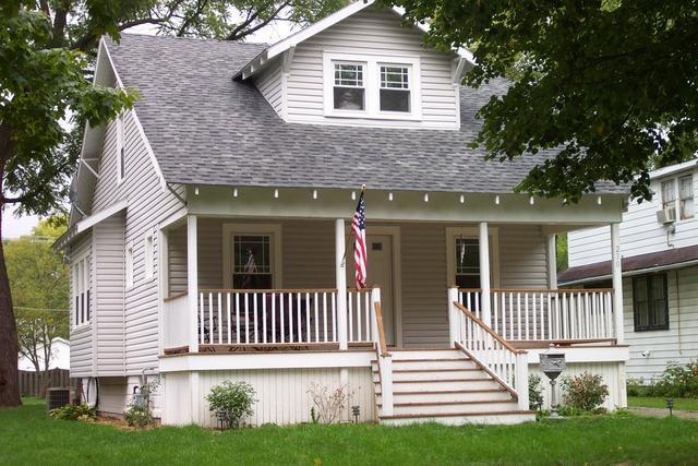 230 N Harvard Ave Villa Park, IL 60181