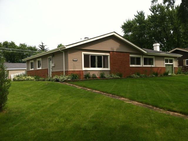 155 Pleasant St Hoffman Estates, IL 60169