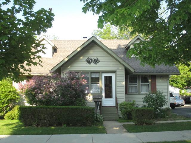 105 Wilcox Ave Elgin, IL 60123