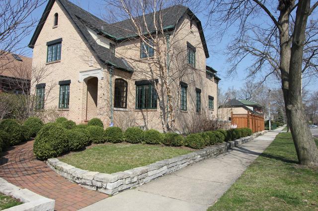 1000 N East Ave Oak Park, IL 60302
