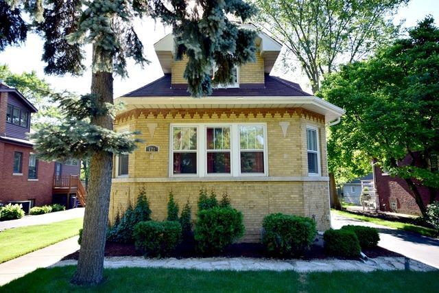 621 S Wisconsin Ave Villa Park, IL 60181