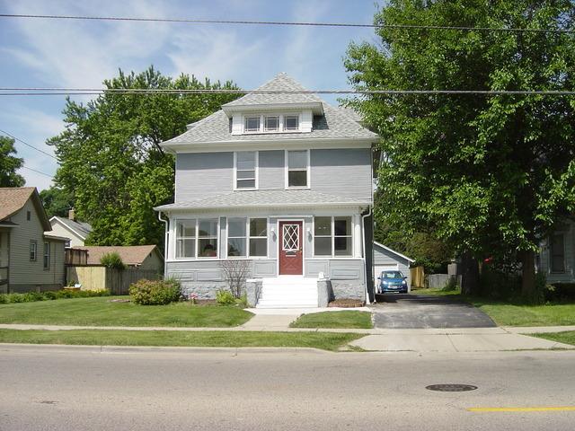 100 N Liberty St Elgin, IL 60120