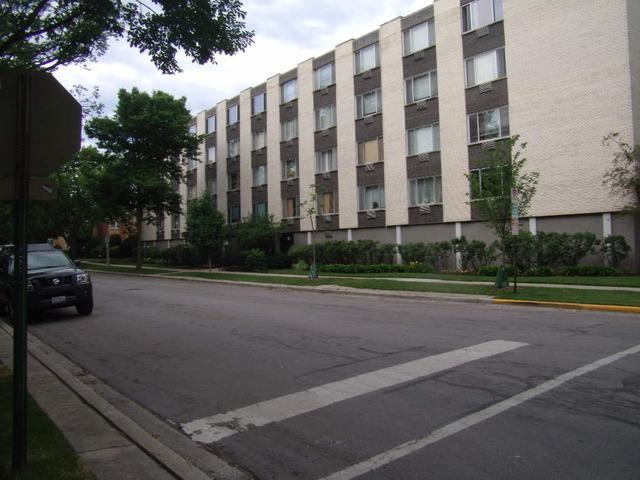 201 S Maple Ave #404 Oak Park, IL 60302