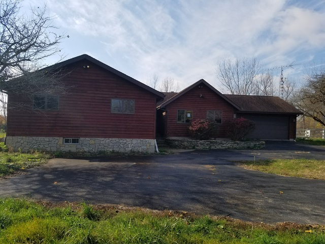 608 Ogee Rd, Earlville, IL 60518