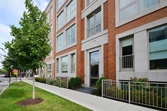 2755 N Lakewood Ave #4SChicago, IL 60614