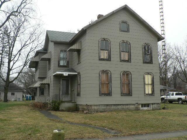 205 N Maple StGrant Park, IL 60940