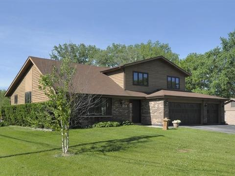 813 E Camp Mcdonald Rd, Prospect Heights, IL 60070