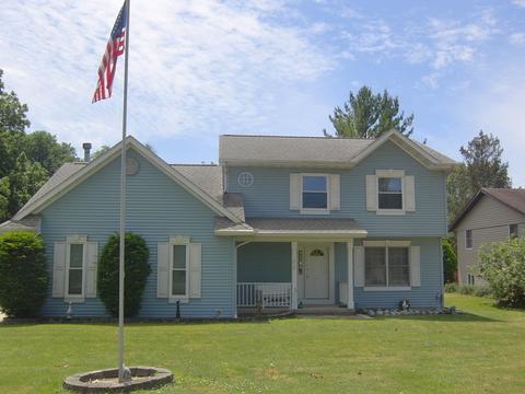 218 W Union St, Seneca, IL 61360