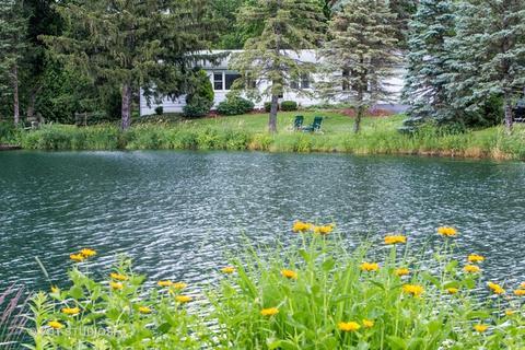 27821 W Lakeview Dr N, Lake Barrington, IL 60084