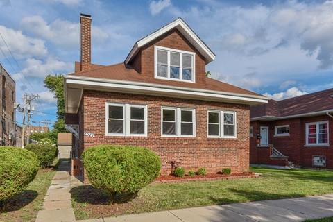 7517 S Paxton AveChicago, IL 60649
