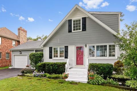 1242 N Chestnut AveArlington Heights, IL 60004