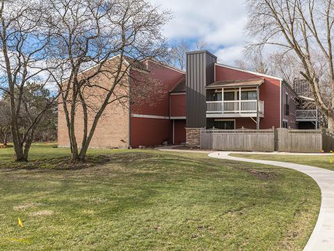 1479 S County Farm Rd #1-2Wheaton, IL 60189