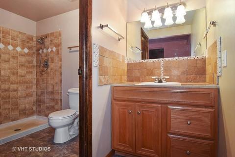 1805 Carson Ct, Schaumburg, IL For Sale MLS# 09773829   Movoto