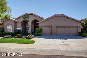 6835 E Winchcomb Dr, Scottsdale, AZ
