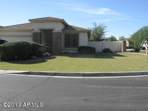 99 E Canary Ct, San Tan Valley, AZ