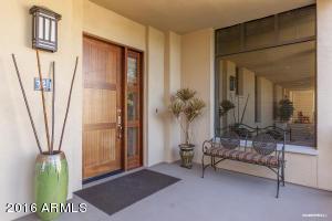 8 Biltmore Est #APT 321, Phoenix AZ 85016
