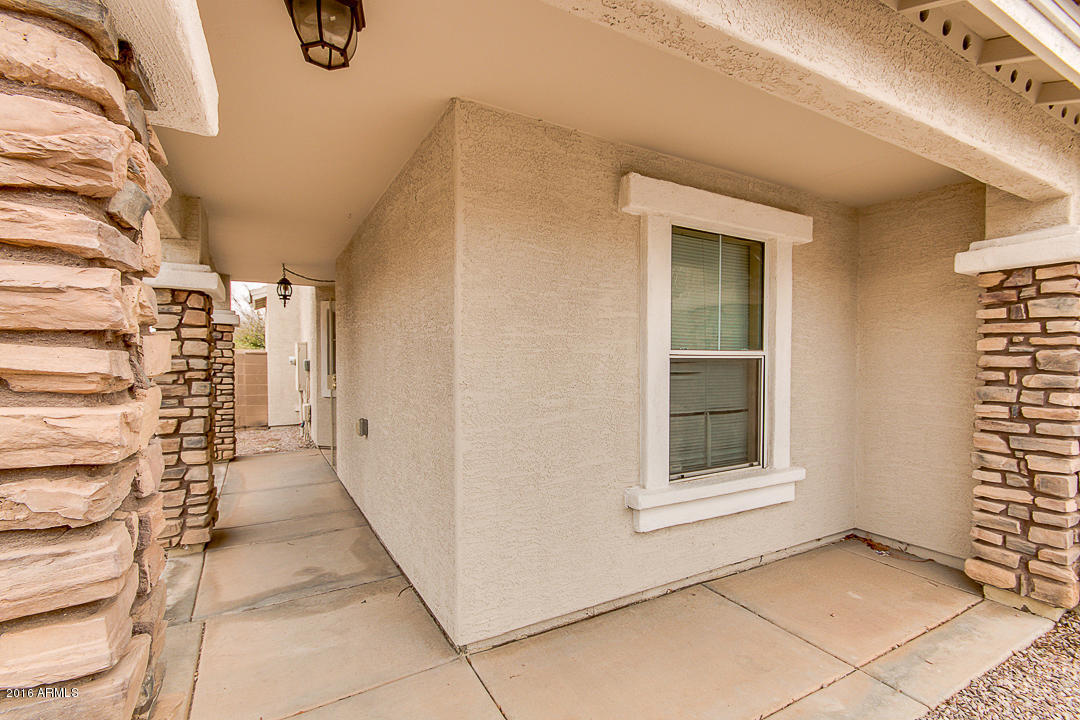 7233 S 39th Drive, Phoenix, AZ 85041