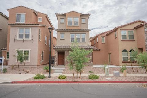 2049 N 77th Gln, Phoenix, AZ 85035